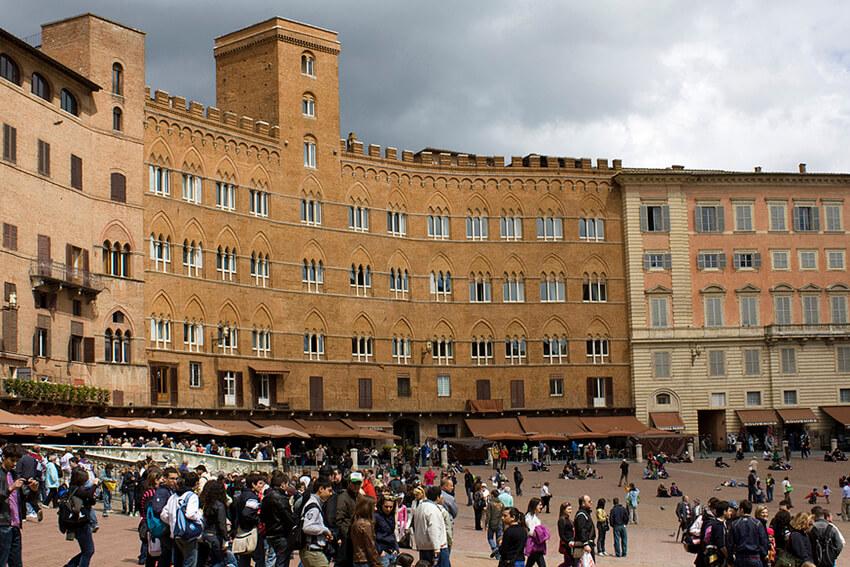 Main square in Siena, Il Campo