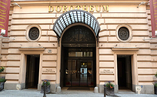 Vienna Dorotheum Palais - antique shop